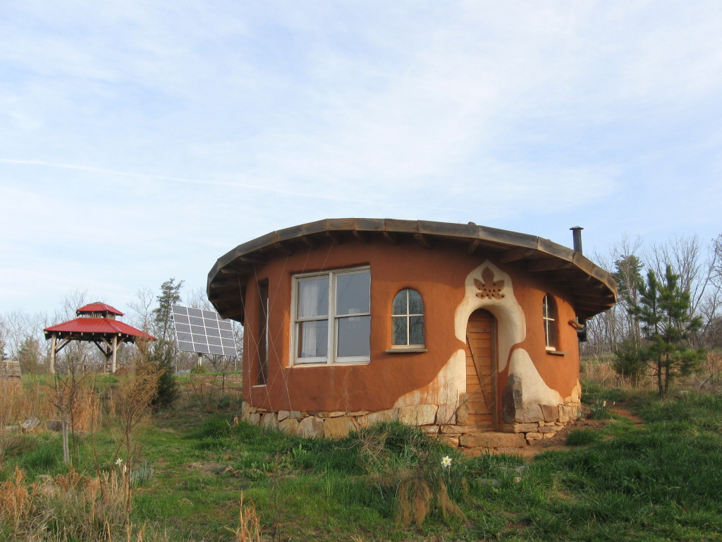 "The ""Fig House"" by the Mud Dauber School of Natural Building (a past neighbor!)"